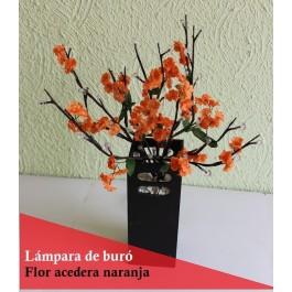 Lámpara de mesa con flor acedera naranja